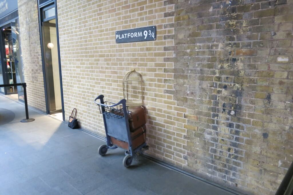 King's Cross  Harry Potter sightseeing 9 3:4
